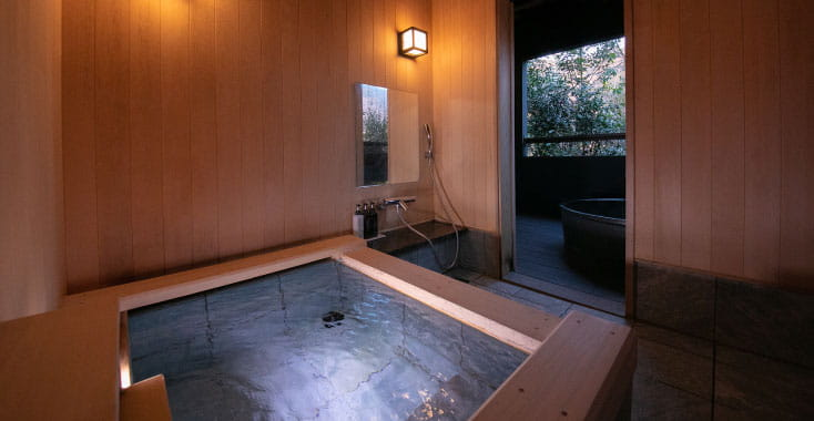 所有14栋独立式客房均设有专用温泉浴池